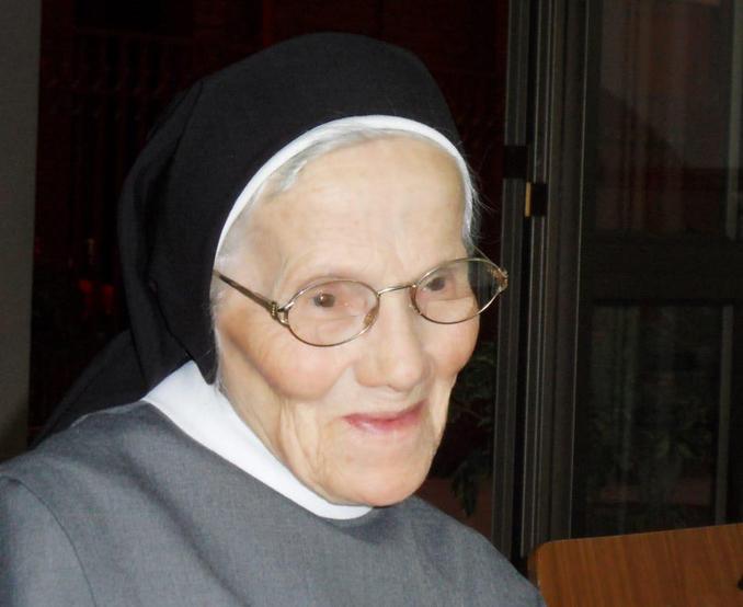 Fallecimiento Sor Ernestina Magoga B.